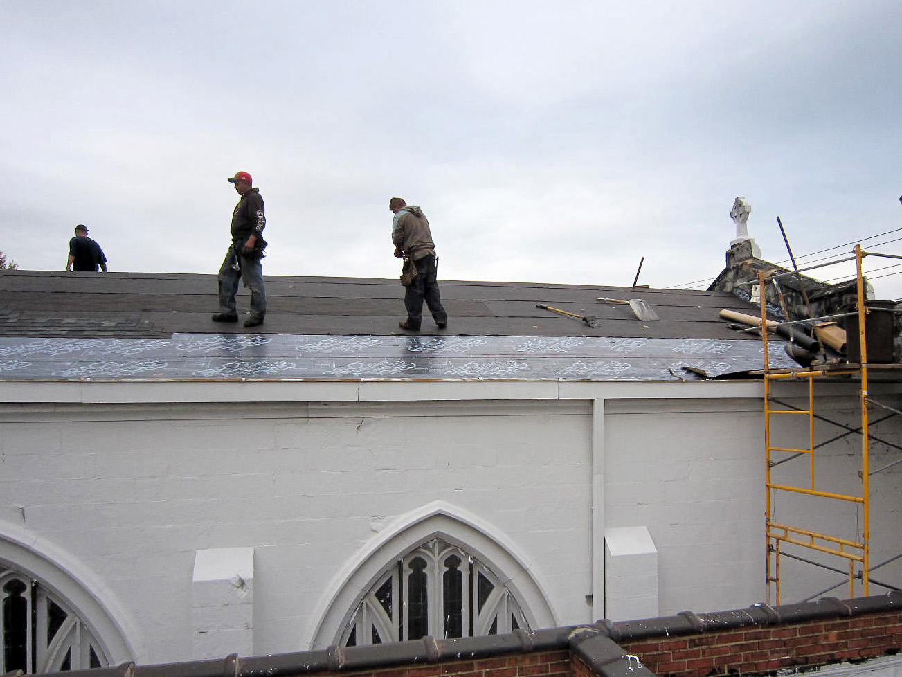 The Reader Roofing crew installing the new roofing system on a church in Cleveland. & Cleveland Roofers Repair Church u2013 East Side | Reader Roofing memphite.com