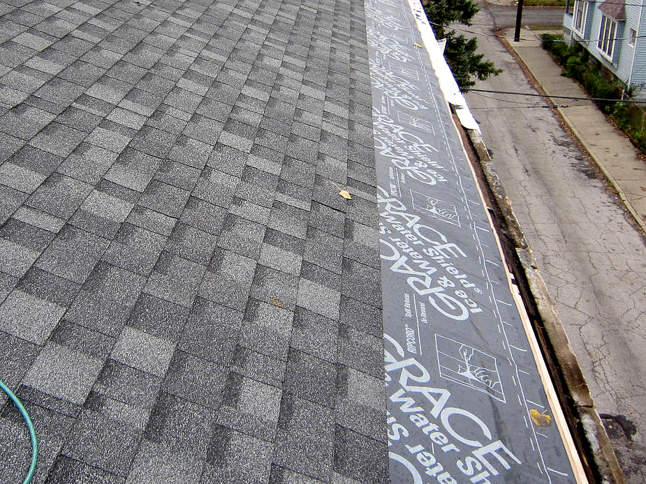 Roofing Contractors in Euclid
