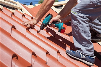 How to Avoid Roofing Rip-offs